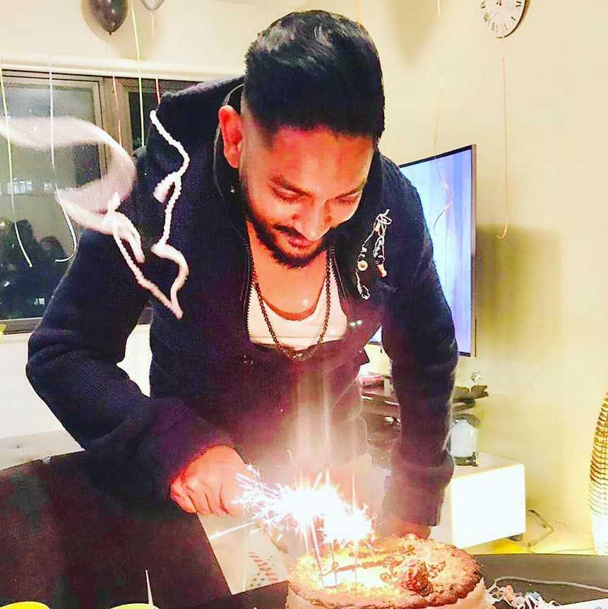 sania-shamshad-is-celebrating-birthday-of-her-husband (1)
