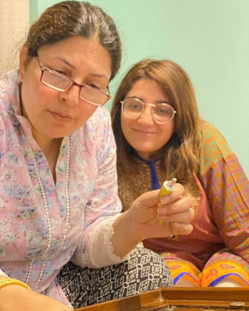 shagufta ejaz with daughter beautiful pictures (10)