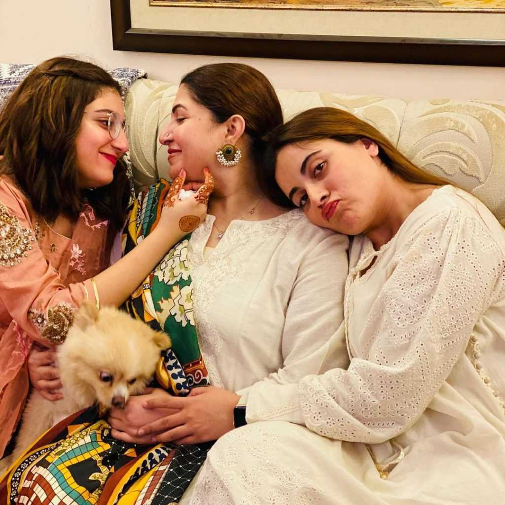 shagufta ejaz with daughter beautiful pictures (13)
