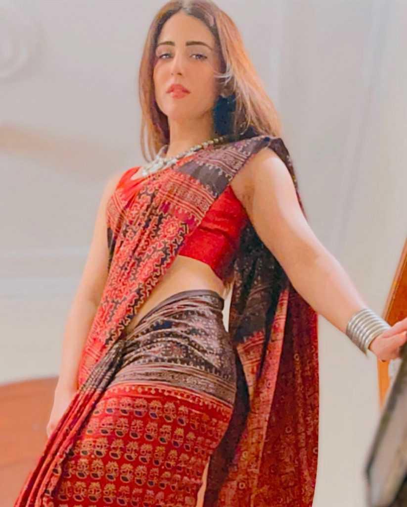 ushna-shah-hot-look (5)
