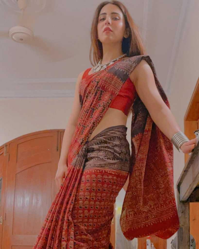 ushna-shah-hot-look (6)