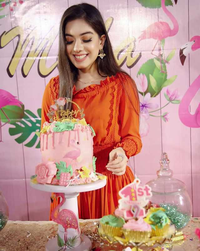 Arisha Razi Khan also joined the birthday party of her niece (1)