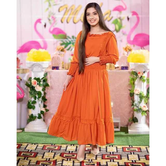 Arisha Razi Khan looks very beautiful