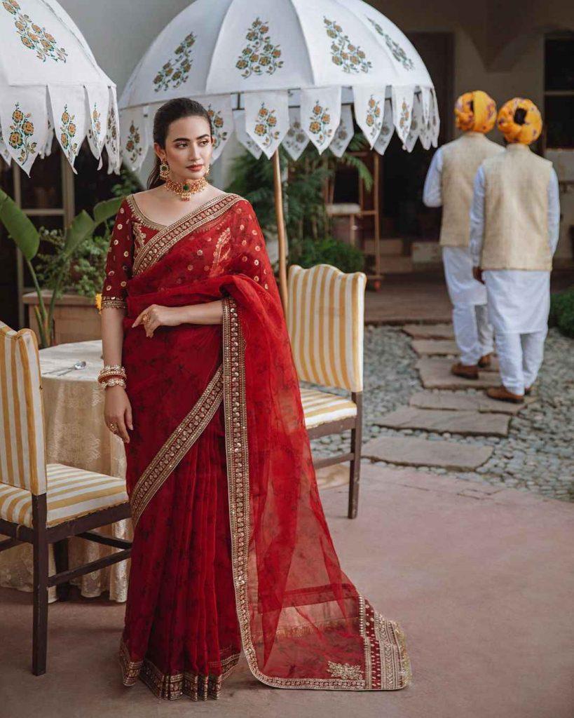 Sana-javed-new-photoshoot-for-qalamkar (3)