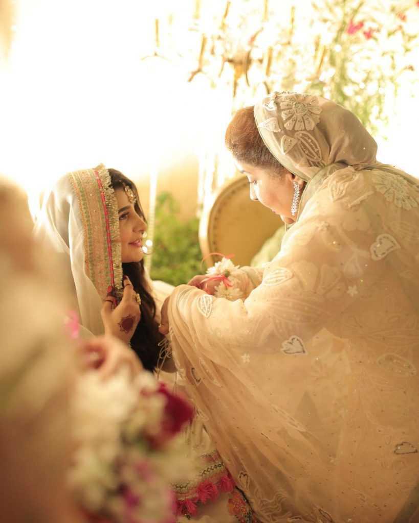 areeba-habib-engagement-pictures (12)
