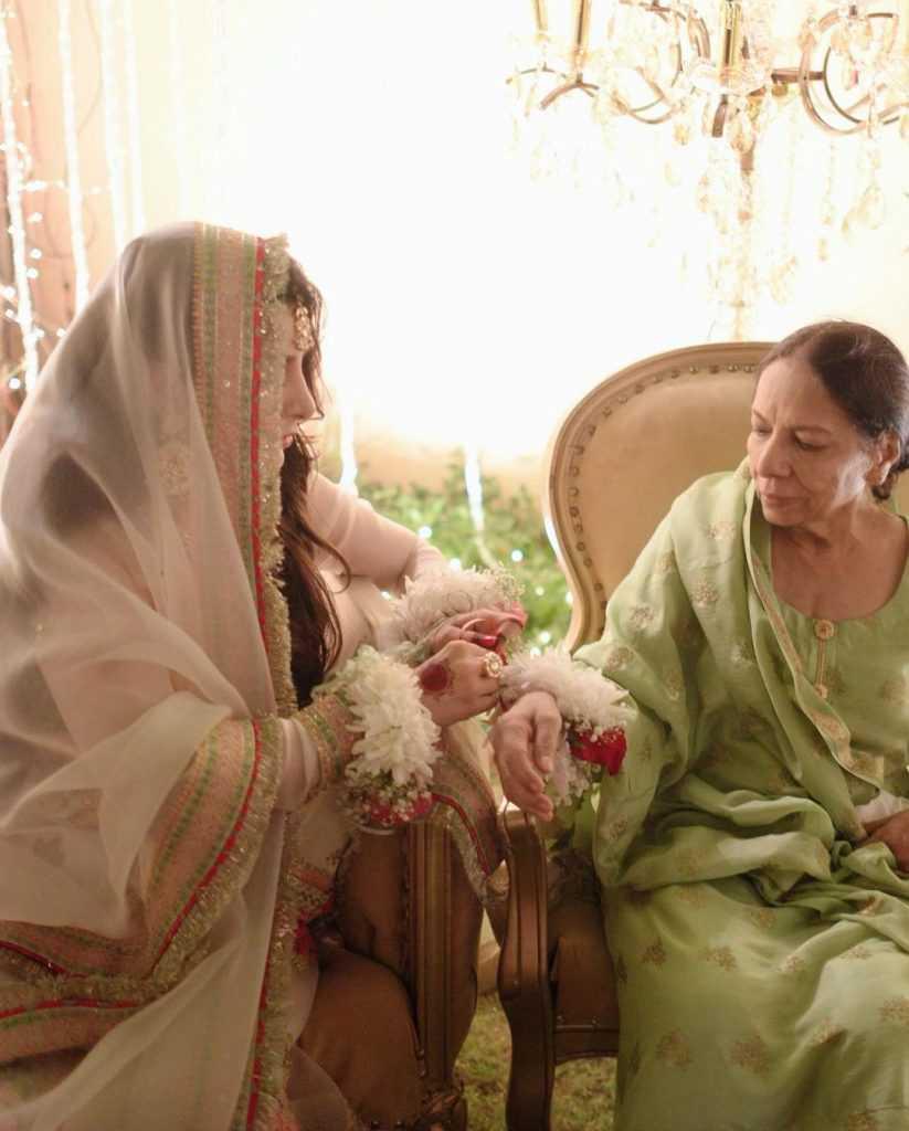 areeba-habib-engagement-pictures (4)