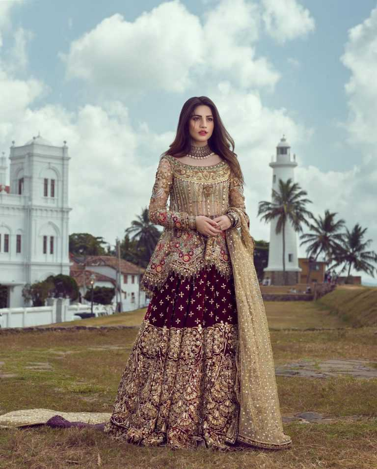 neelam-muneer-new-bridal-photoshoot-wearing-lehnga (15)