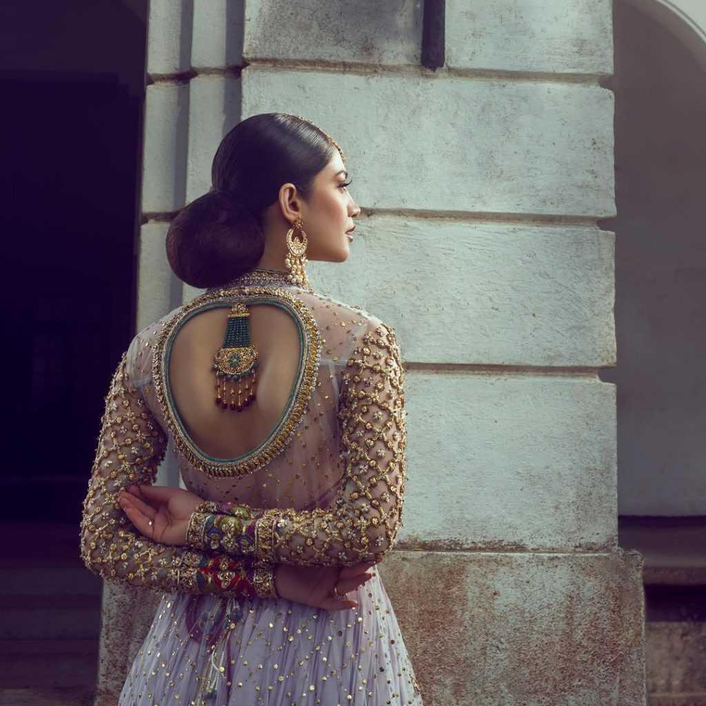 neelam-muneer-new-bridal-photoshoot-wearing-lehnga (18)