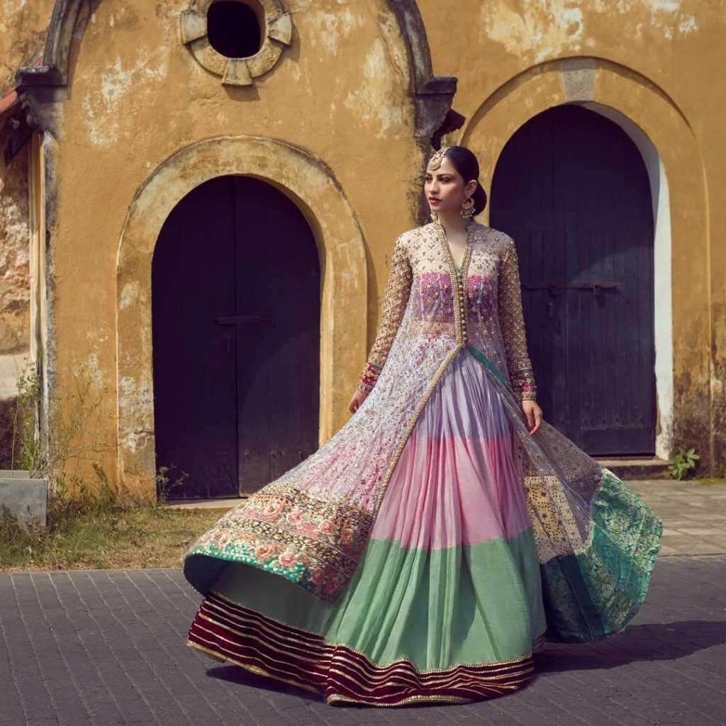 neelam-muneer-new-bridal-photoshoot-wearing-lehnga (19)
