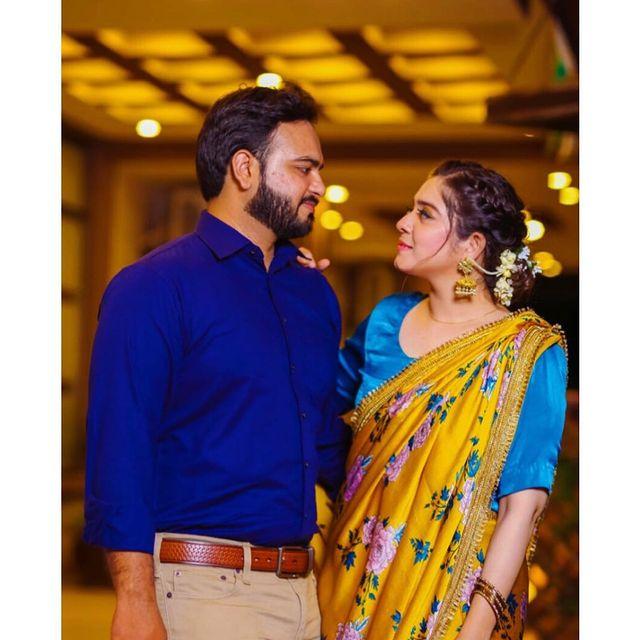 sarah-razi-khan-with-her-husband