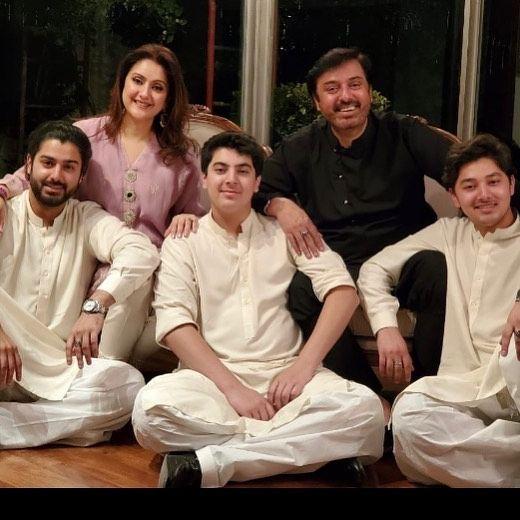 zaviyar-noman-family