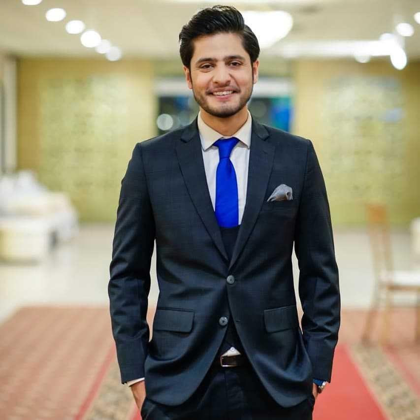 Arez Ahmed is the part of the Inteha e ishq drama cast as Saim