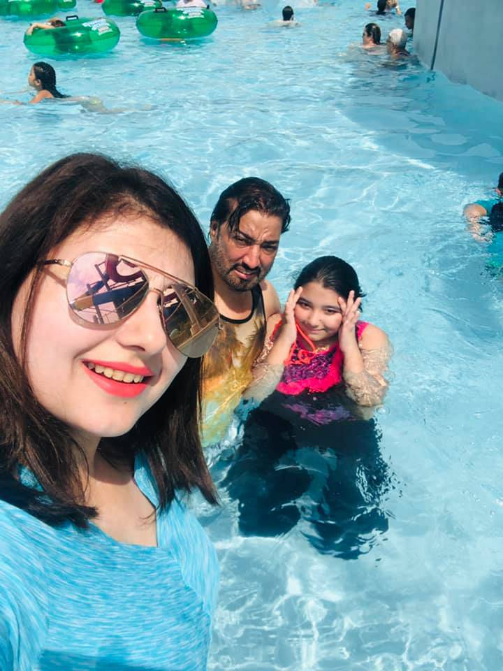 Javeria-Saud-with-Family-in-USA