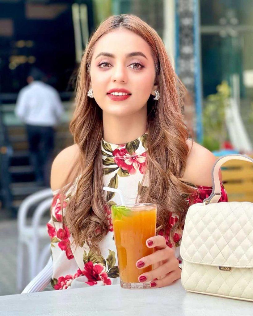 Maryam Noor is the part of baddua drama cast as neelam
