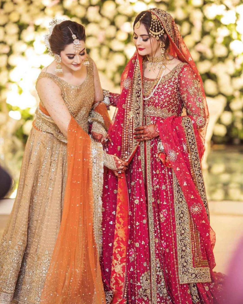 Minal Khan with Aiman Khan (7)