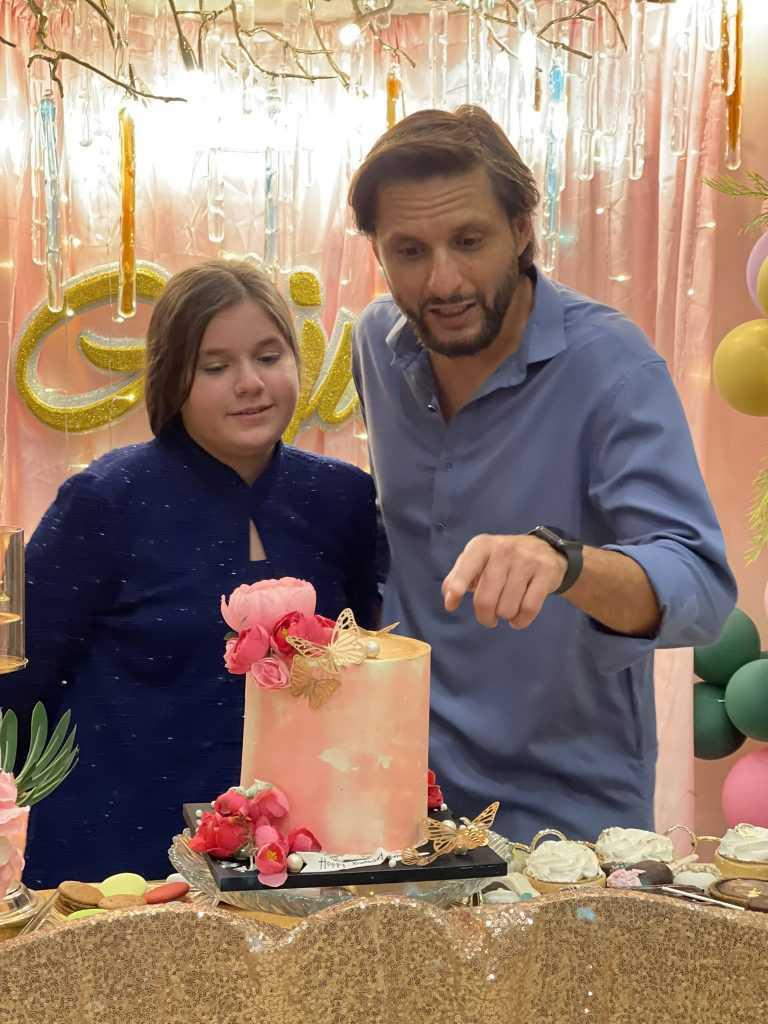 Shahid Afridi Daughter 1