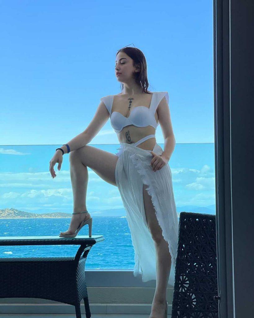 Zeynep Korkmaz is the part of the Aahan Turkish drama cast as Ece