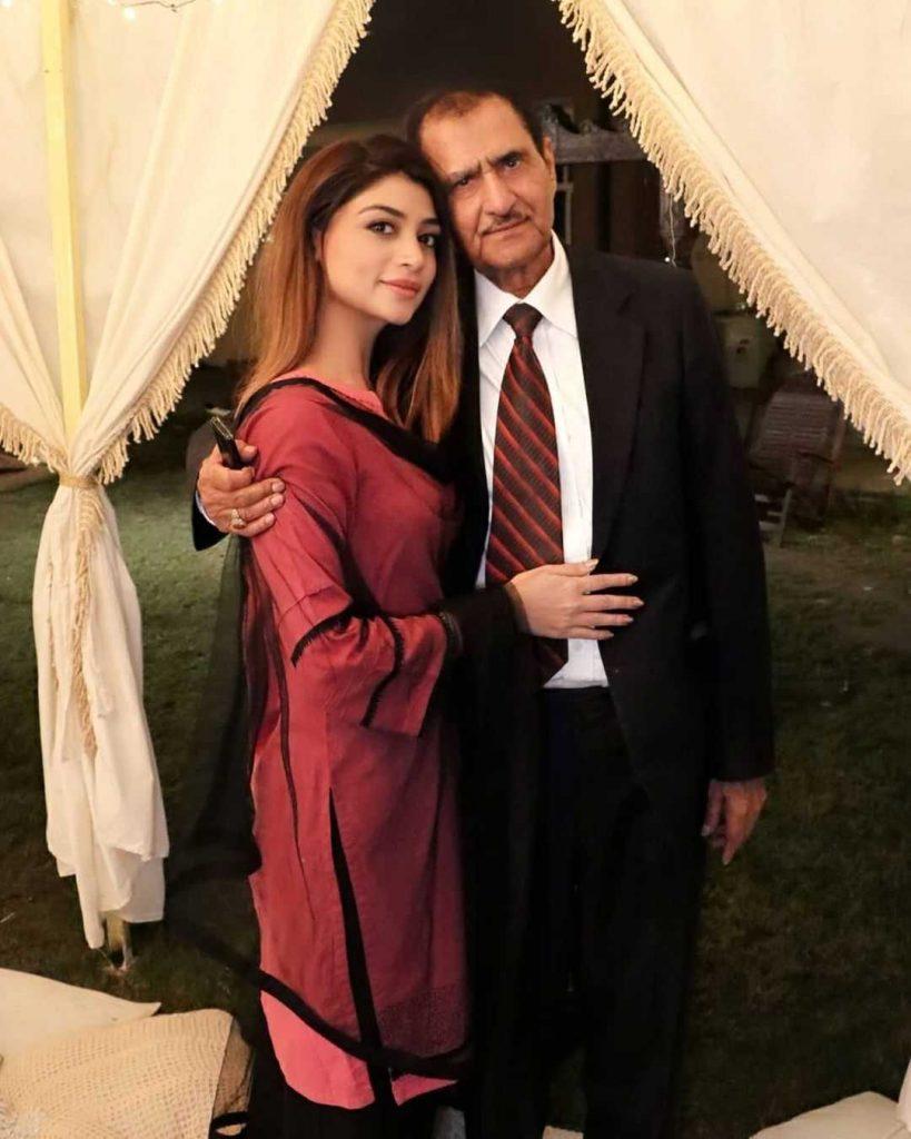 Zoya Nasir with her father nasir adeeb