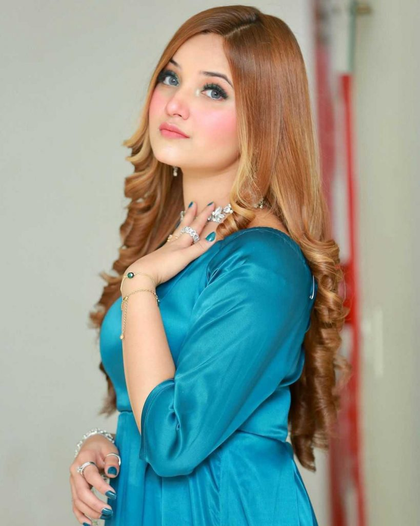 rabeeca-khan-new-song-nazar-e-karam