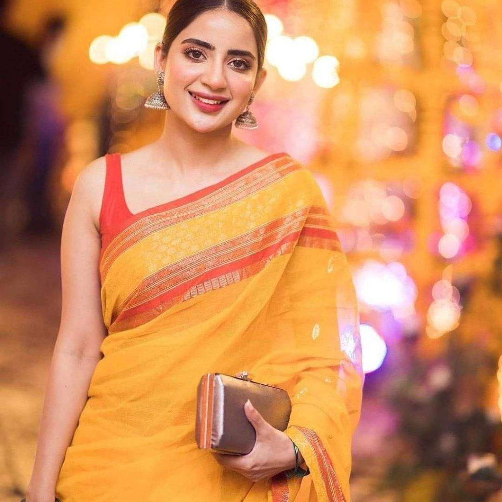 saree-pics-of-saboor-aly
