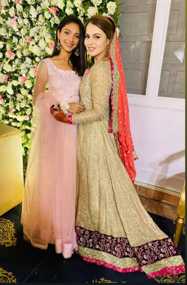 shagufta-ejaz-daughter-haya-ali-got-engaged-to-talha-chaudhry (1)
