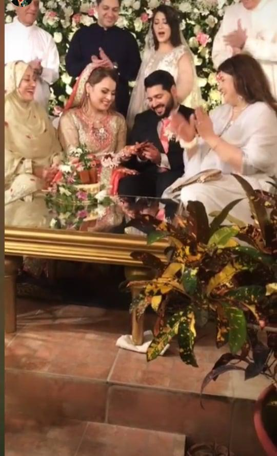 shagufta-ejaz-daughter-haya-ali-got-engaged-to-talha-chaudhry (10)