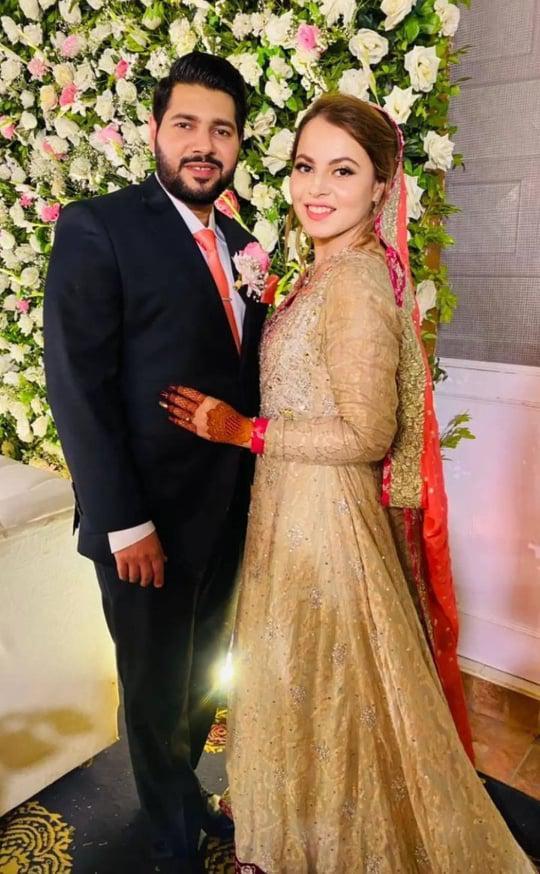 shagufta-ejaz-daughter-haya-ali-got-engaged-to-talha-chaudhry (9)