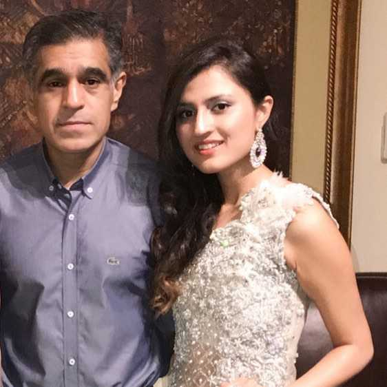 tania-huusian-with-her-father