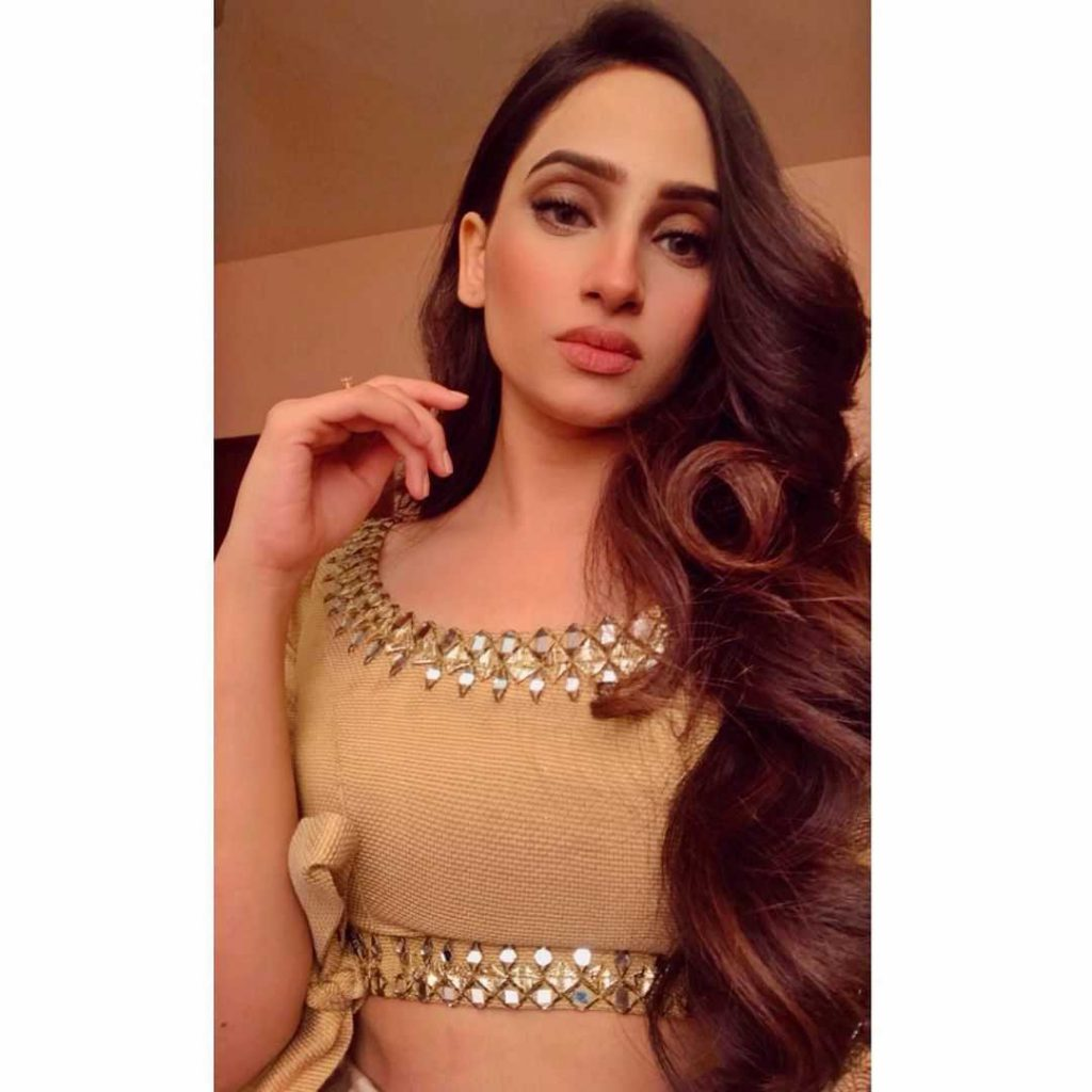 unseen-pictures-of-inaya-khan-1