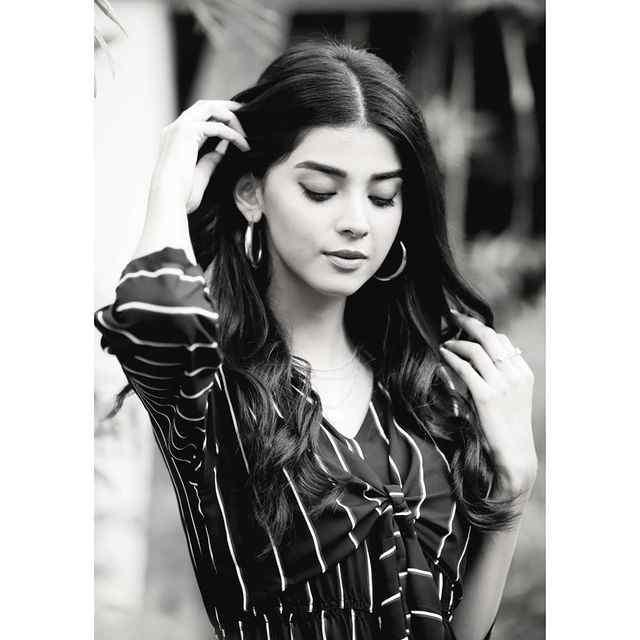 unseen-pictures-of-zainab-shabbir-2