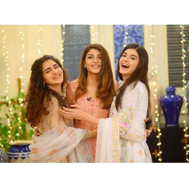zainab-shabbir-in-mere-apne-drama