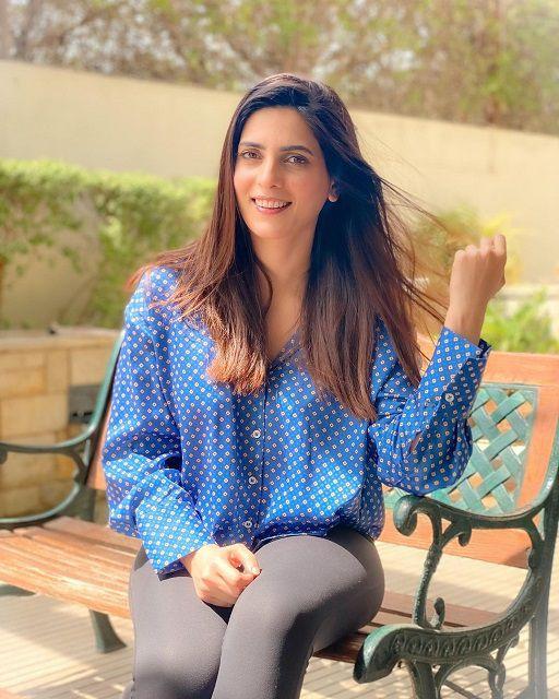 Actress Rushna Khan