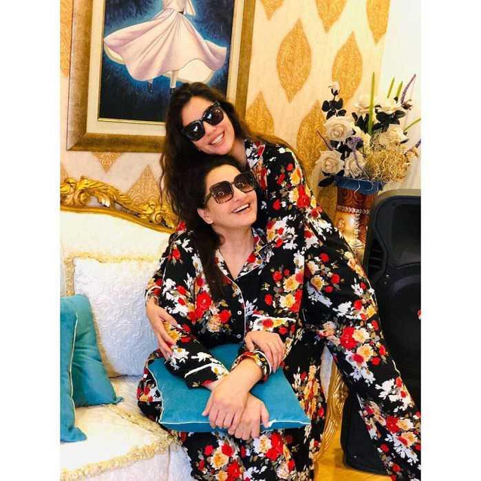 Saba Faisal with her Daughter